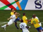[组图]美国VS巴西 巴西队梅洛率先头球破门
