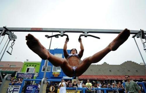 男女健美比赛,女子模特比赛和女子比基尼比赛等各类项目悉数登场,以庆